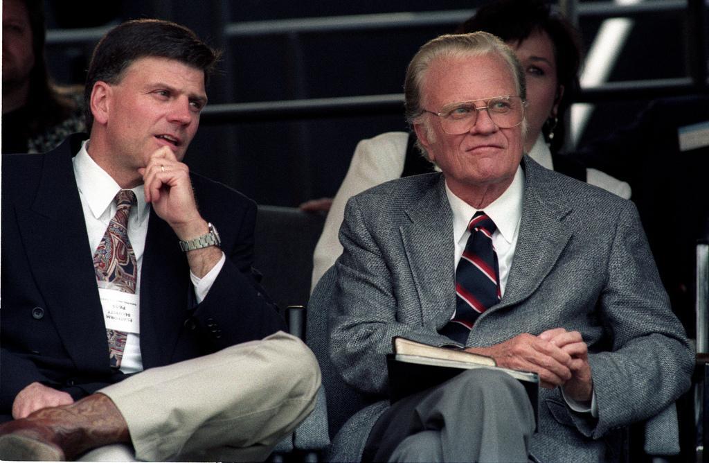 Billy Graham zusammen mit seinem Sohn, Franklin Graham.