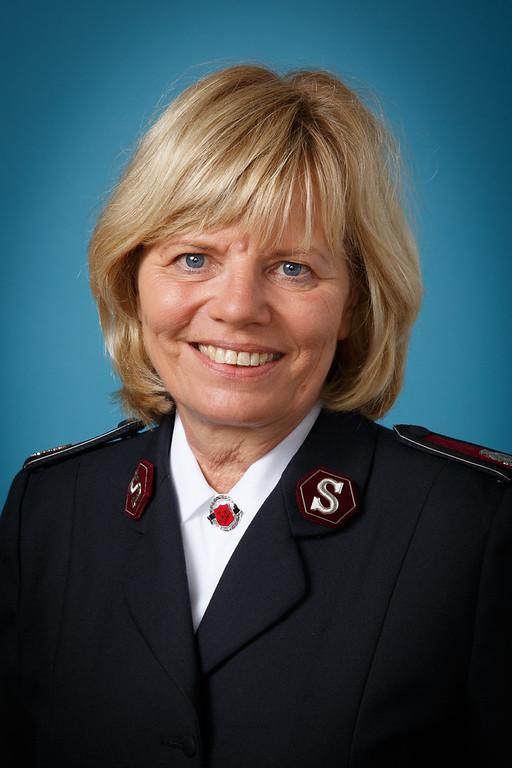 Kommissärin Birgitte Brekke-Clifton (Internationale Sekretärin für Programme am IHQ) / Commissaire Birgitte Brekke-Clifton, Secrétaire internationale pour les programmes au QGI