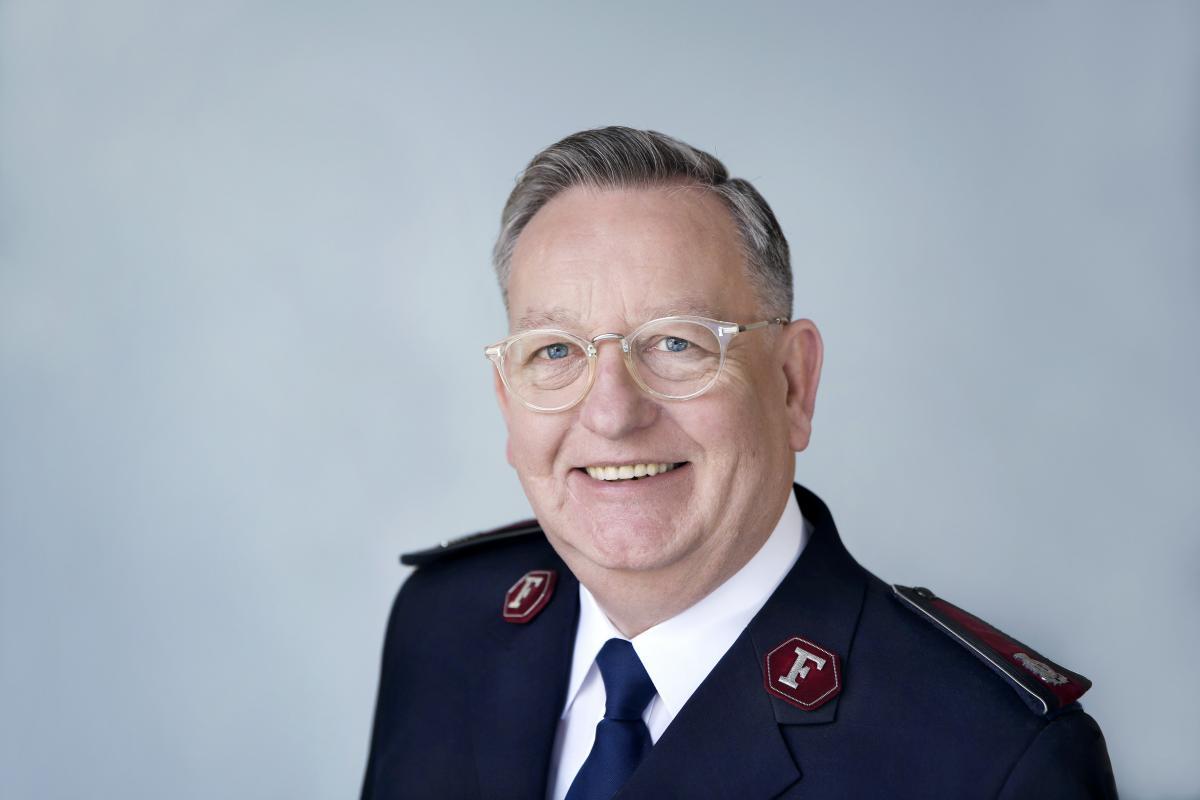Der High Council 2018 ernennt Kommissär William Cochrane zum Präsidenten. / Le Haut Conseil a élu le commissaire William Cochrane comme président.