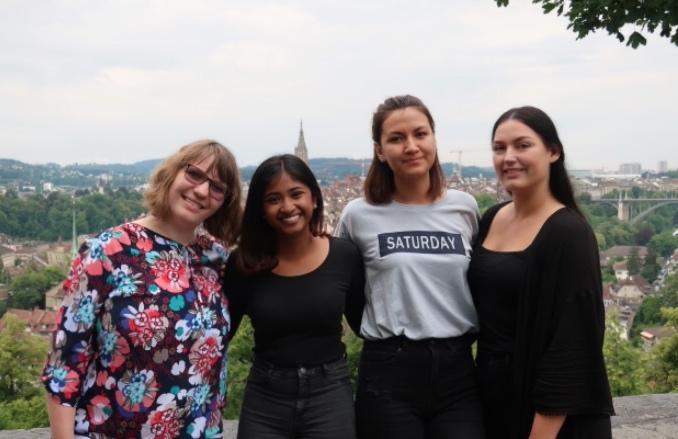 (v.l.) Michèlle Eickenhorst (KV), Jenushiya Sivapragasam (EBA), Maria Khoshy (EBA) und Selma Trautmann (KV). / (De g. à d.) Michèlle Eickenhorst, Jenushiya Sivapragasam, Maria Khoshy et Selma Trautmann.