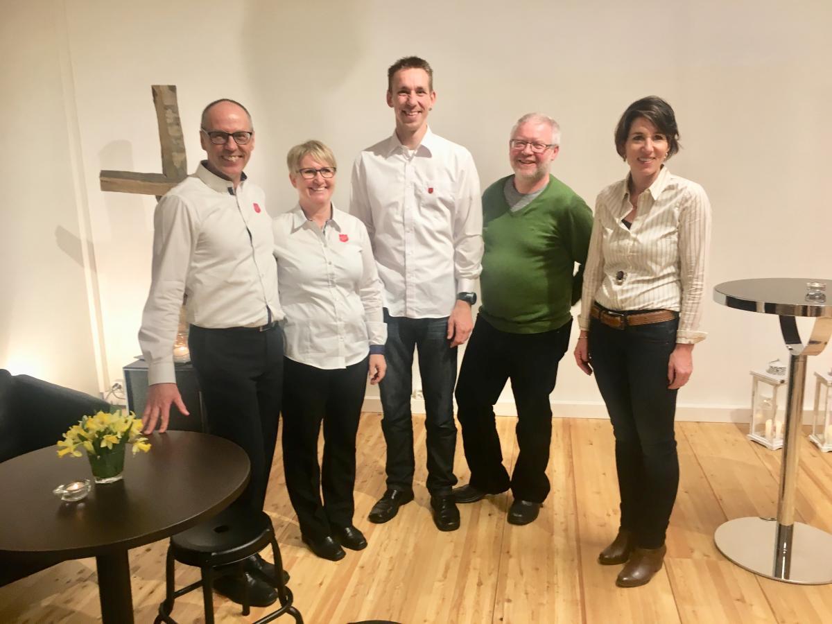 Die Majore Johannes und Anita Breiter (links) mit den Mitgliedern des Korpsrats Dagmersellen Matthias Schärli, Karl Loosli und Andrea Koch.