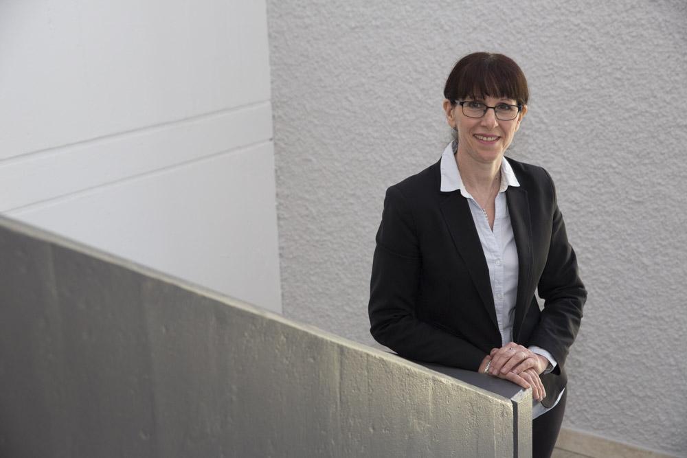 """Valérie Imhoff ist die neue Leiterin des Neuenburger """"Le Foyer""""./ Mme Valérie Imhoff est la nouvelle directrice de l'EMS  « Le Foyer » à Neuchâtel."""