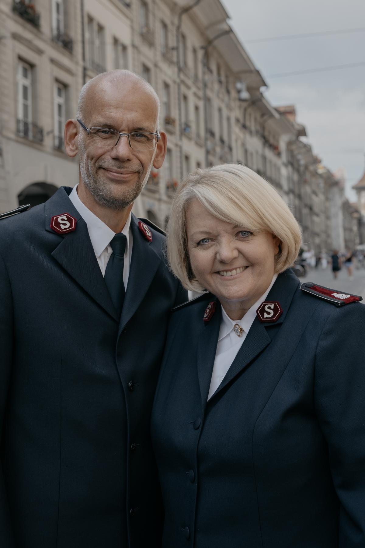 Kommissäre/Commissaires Henrik & Lisbeth Andersen, Territorialleiter / Chefs de territoire