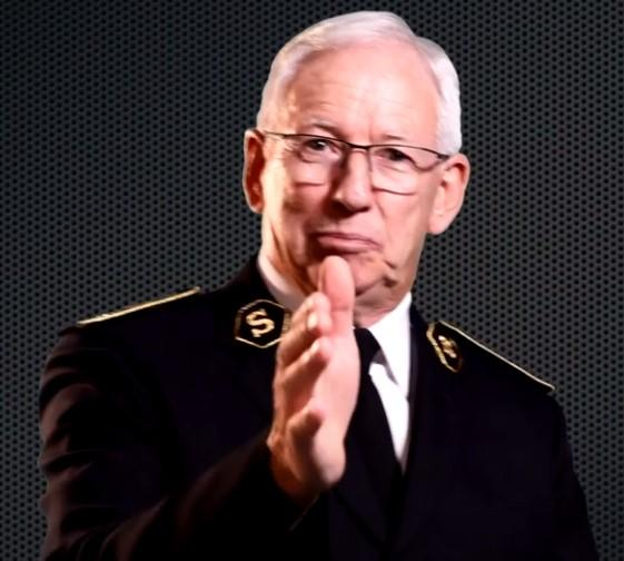 """Screenshot aus der Videobotschaft """"What if"""" von General Brian Peddle, Leiter der Internationalen Heilsarmee / Capture d'écran du message vidéo """"Et si"""" du Général Brian Peddle, Chef de l'Armée du Salut internationale."""
