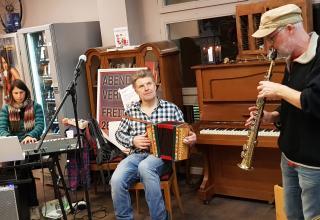 Erster Abendverkauf inkl. Brocki Musik in der Heilsarmee brocki.ch/Zürich.