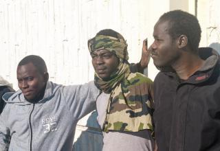 Nach Räumung in Calais: Heilsarmee soll Flüchtlingen in Frankreich helfen / L'Armée du Salut est appelée à aider les réfugiés après la fermeture du camp à Calais.