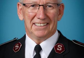 Offzielles Foto des neugewählten Generals, Kommissär Brian Peddle. / Photo officielle du nouveau Général, le commissaire Brian Peddle.