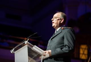General André Cox, Leiter der Internationalen Heilsarmee, und Kommissärin Silvia Cox, Weltpräsidentin G+F, wurden mit zahlreichen musikalischen Beiträgen und persönlichen Ansprachen verabschiedet.