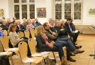Gäste der Podiumsdiskussion im Kartäusersaal (Waisenhaus, Basel)