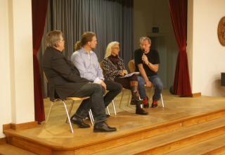 Podiumsdiskussion unter Gesprächsleitung von Journalist Willi Surbeck