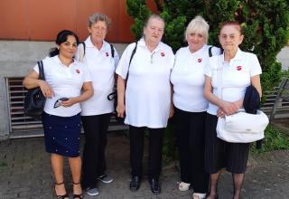 Im Juni reiste eine Delegation ungarischer Salutisten ans Go Forward, den Aussendungskongress der Heilsarmee, um die Aussendung einer ungarischen Offizierin zu feiern.